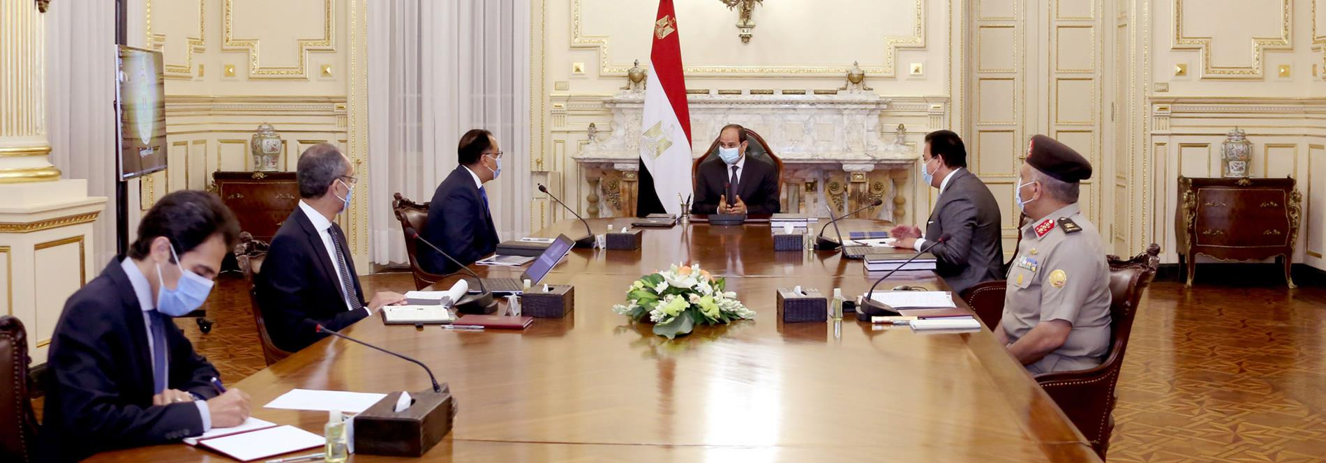 President El-Sisi Meets with PM and Some Ministers