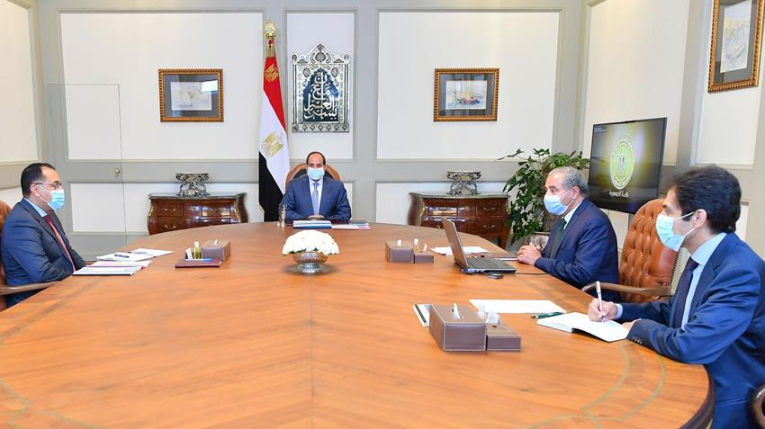 President El-Sisi Meets with PM and Minister of Supply and Internal Trade