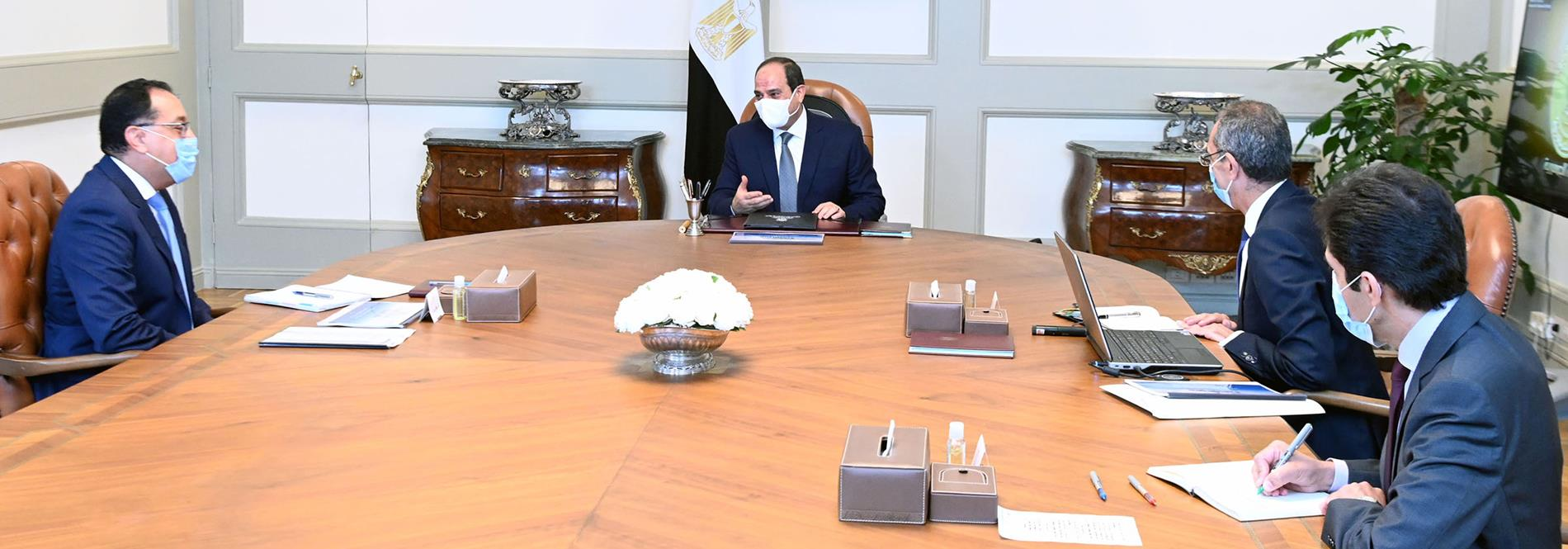 President El-Sisi Meets with PM and Minister of Communications and Information Technology
