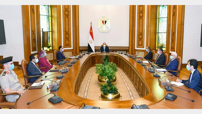 President El-Sisi Meets with PM and Several Ministers and Officials