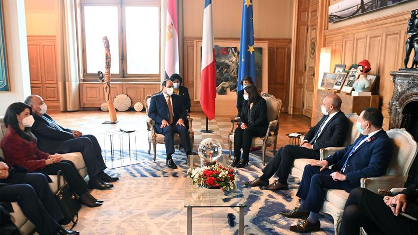 Le Président Al-Sissi rencontre le maire de Paris